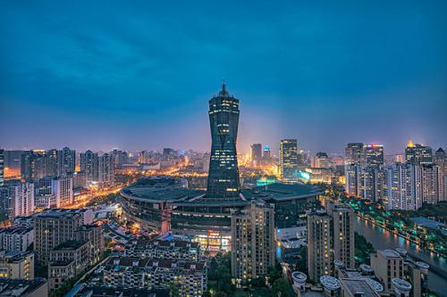 公园游记作文500字_我的家乡杭州作文800字_写景作文